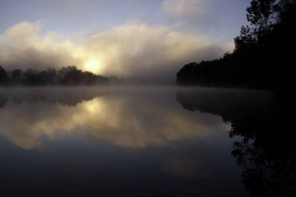 A perfect mist over the Farmington River in Connecticut. Credit: Tom Cameron.