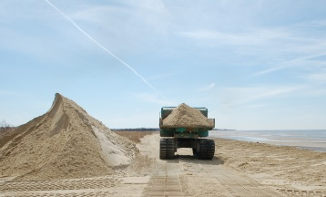 The Service and its partners moved 45,000 tons of sand over three weeks to restore Delaware Bay beaches just in time for horseshoe crabs and migrating shorebirds.Credit: Eric Schrading/USFWS.