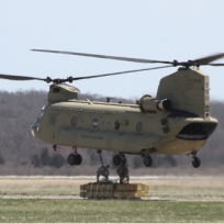 Army National Guard crew attaching sling to CH-47 Chinook – on route to Great Gull Island. Credit: Suzanne Paton/USFWS