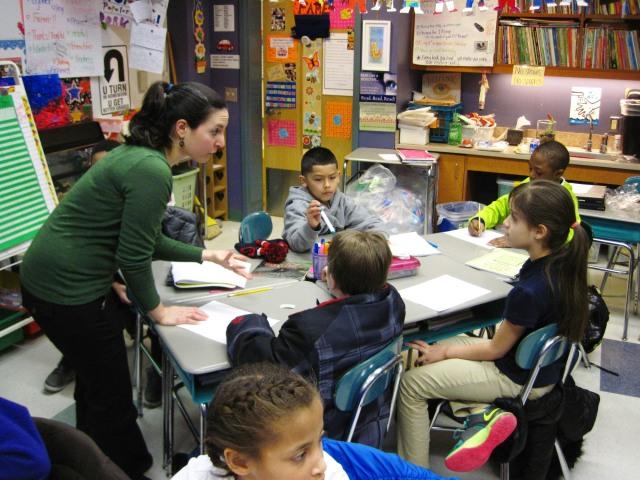 Francesca_Williams_instructing_students
