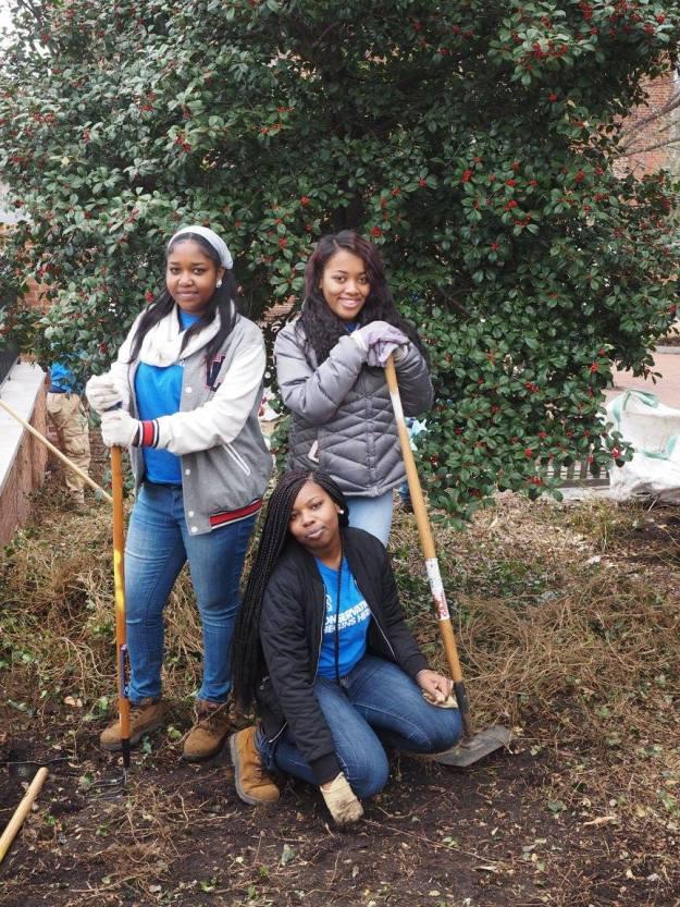 SCA Philadelphia/Camden interns showing their work .