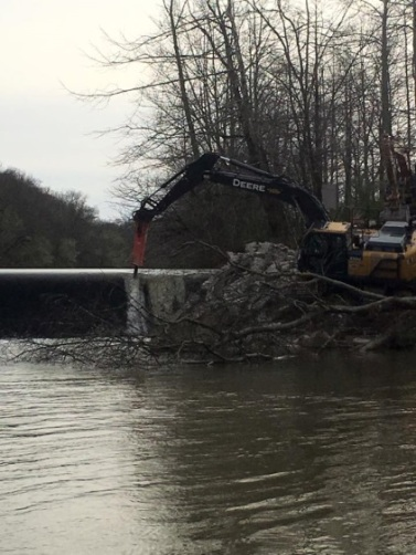 October 28, 2016: Final dam removal. Credit: Nick Millett/USFWS