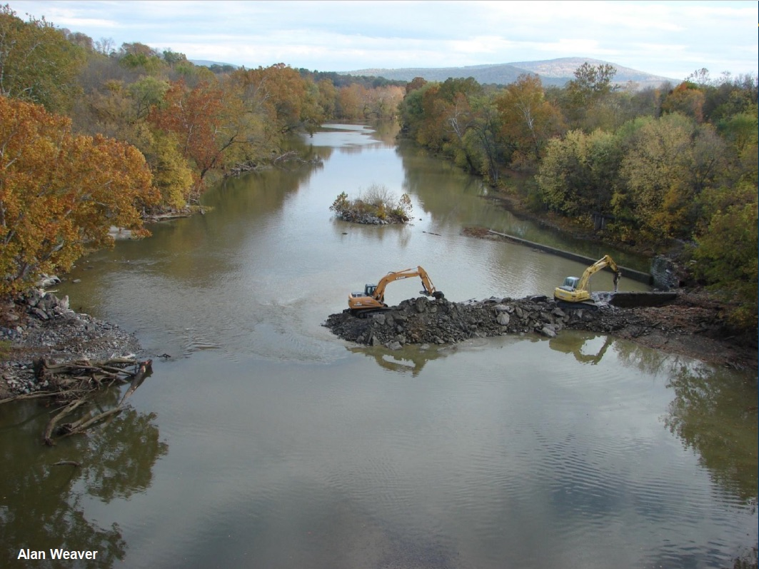 River Riverton Dam being removed on the North Fork Shenandoah River. Credit: Alan Weaver, VDGIF.