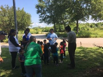 Park Ranger Rosalie Valente Explains a sassafras leaf-Credit Max Lonzanida USFWS